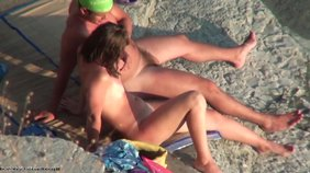 Horny girlfriend with a pale ass gets comfy next to her boyfriend